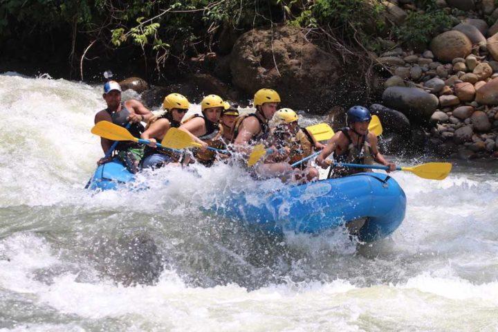 white water rafting rio savegre